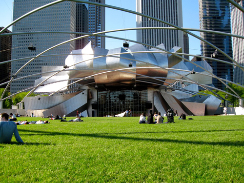 Prizker Pavilion (by Gehry) in Millenium Park