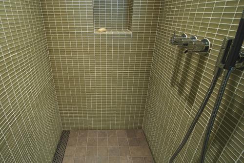 5 Important Details For Modern Shower Design Build. Shower Drain Trough   Best Showers Design