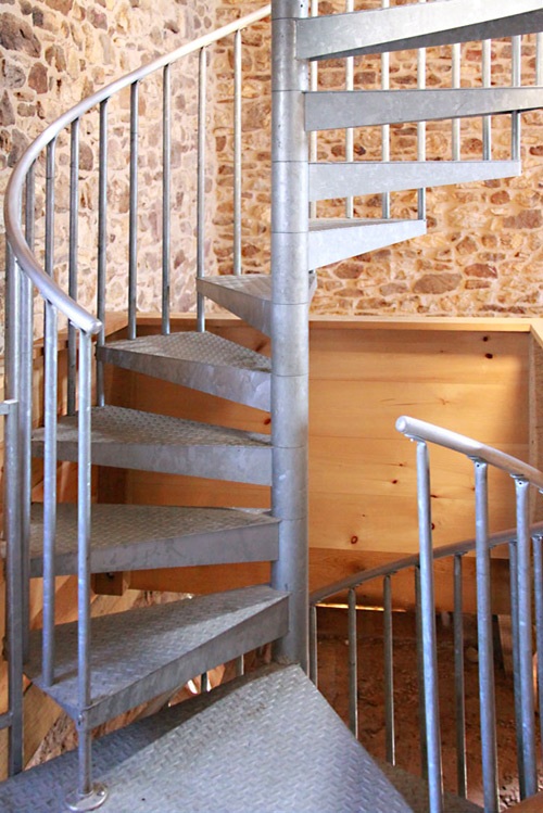 Pre fab spiral stairs livemodern your best modern home for Pre made spiral staircase