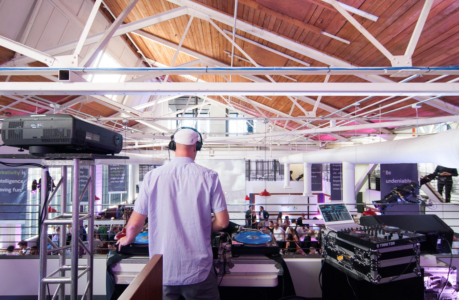 BUILD-LLC-CLSF-Party-DJ-01#