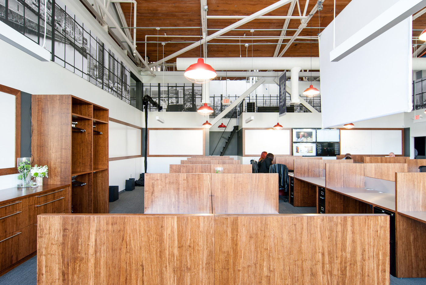 BUILD-LLC-CLSF-Workroom-04#