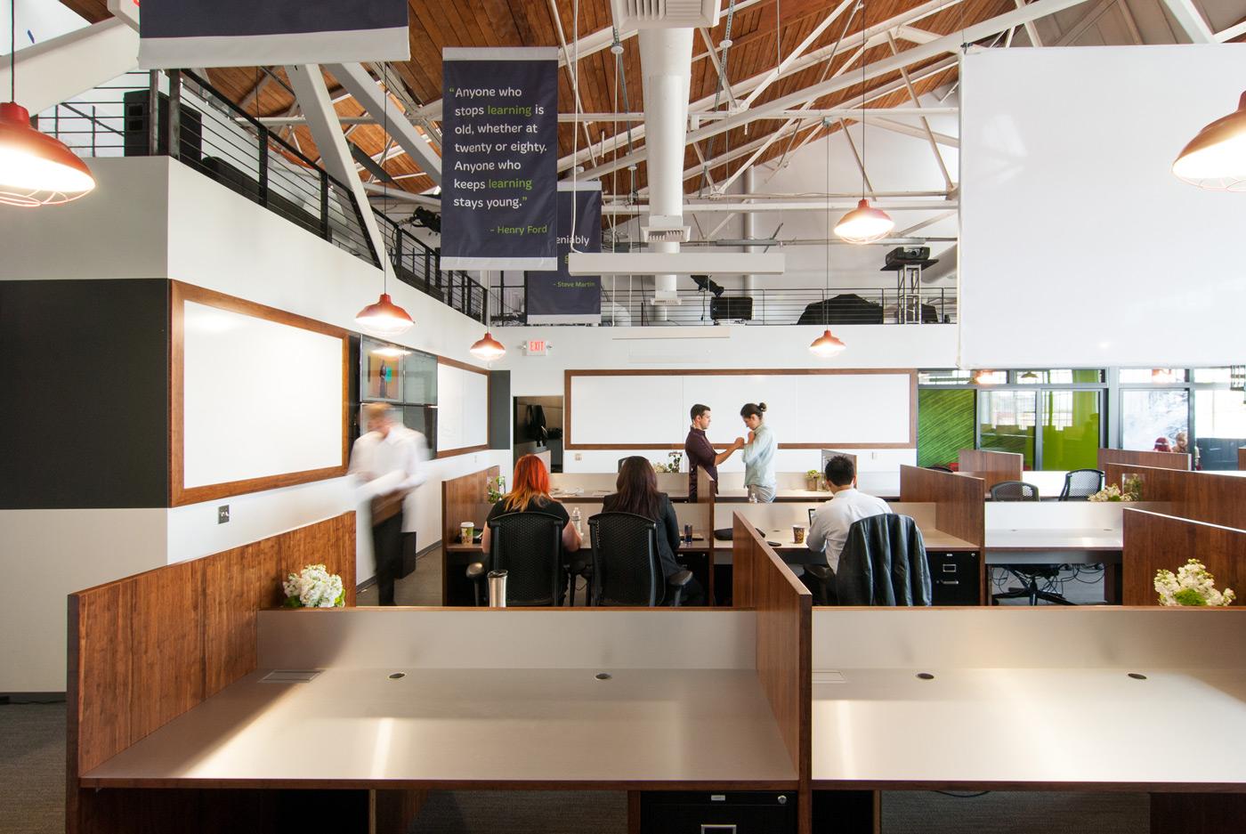 BUILD-LLC-CLSF-Workroom-09#