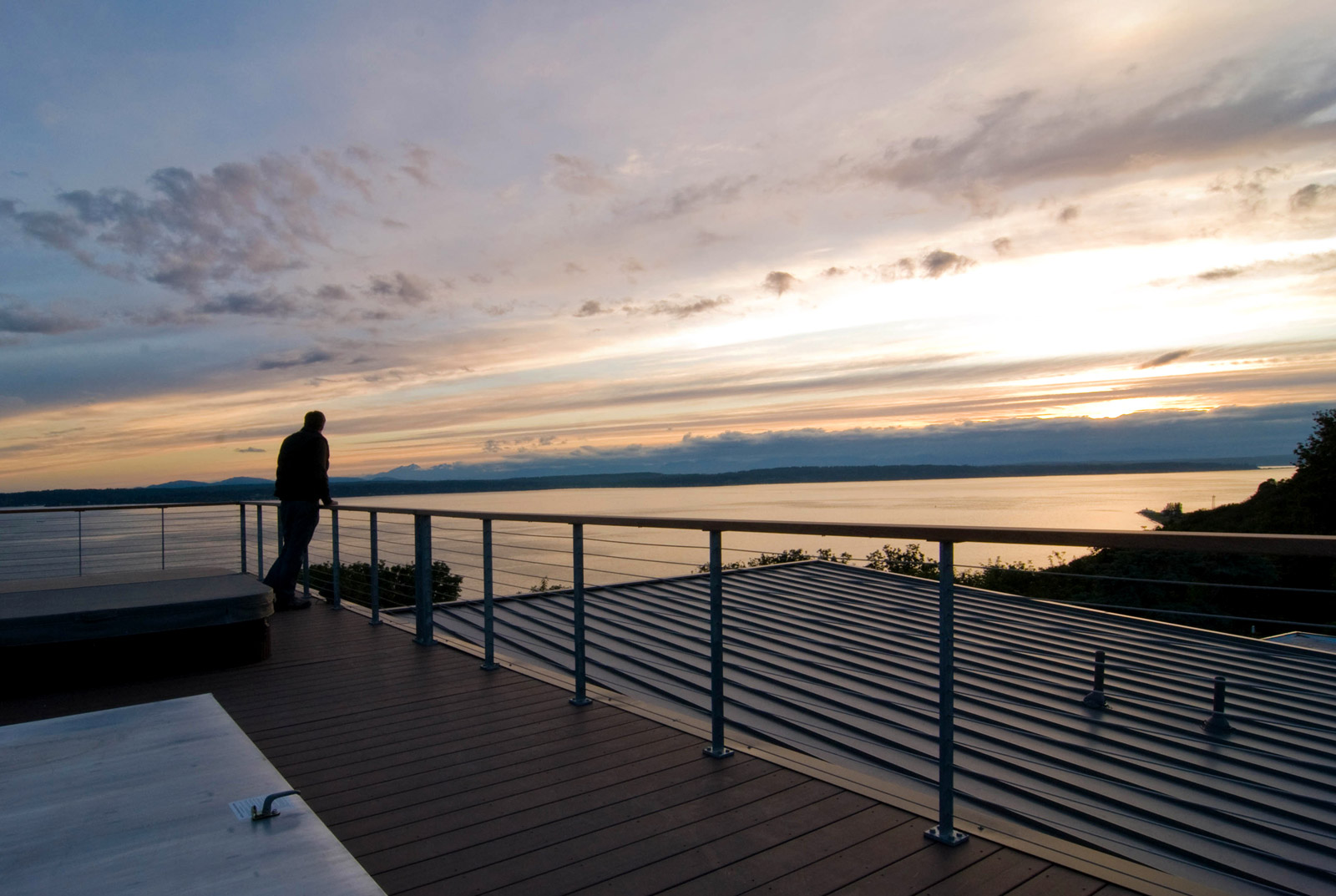 BUILD-LLC-Davidson-Deck-Sunset-02