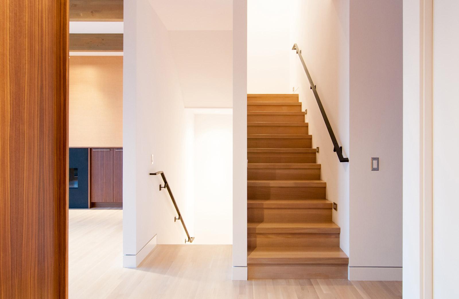 1_BUILD-LLC-Magnolia-Stair-02
