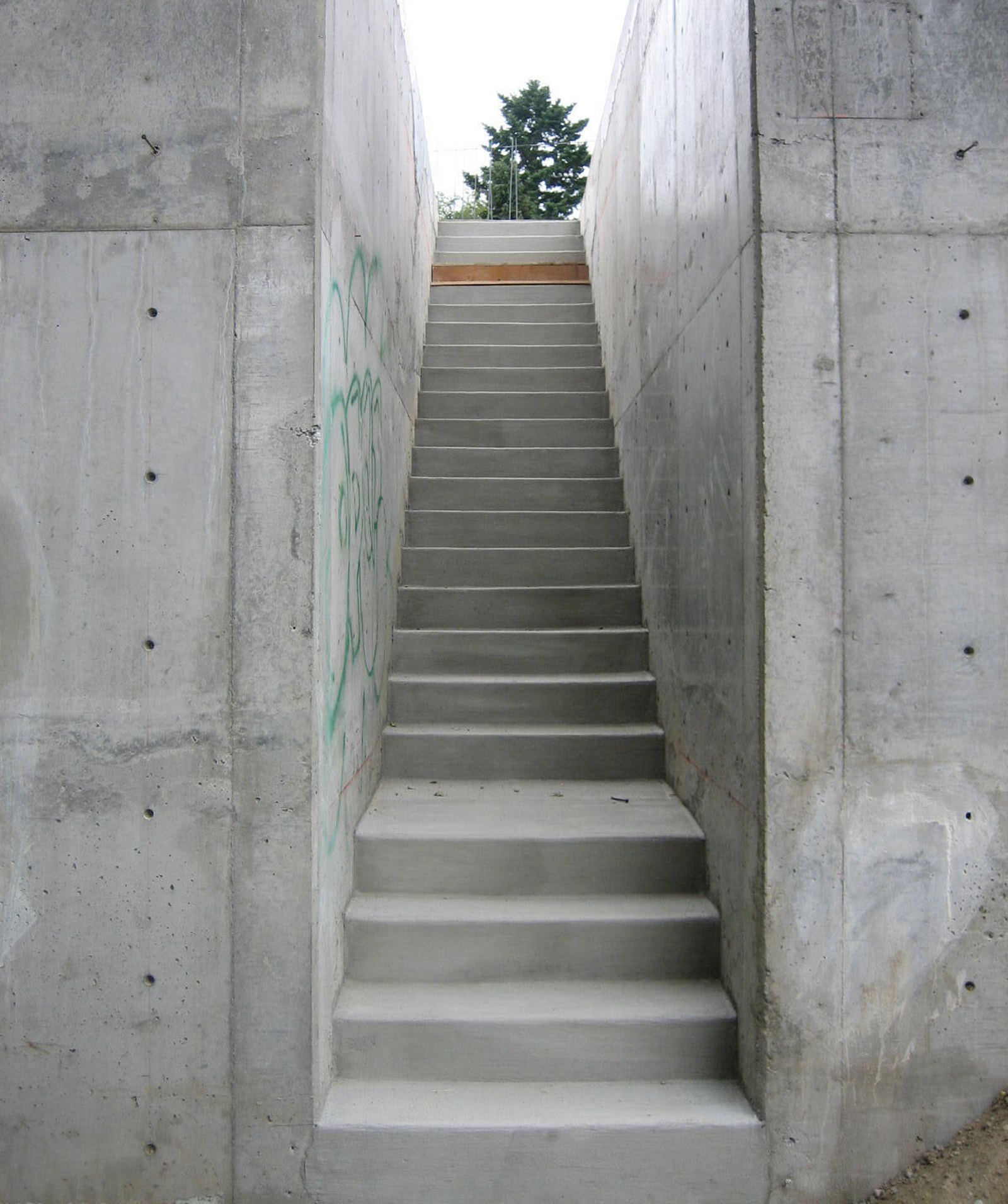 1_BUILD-LLC-Park-Modern-Stair