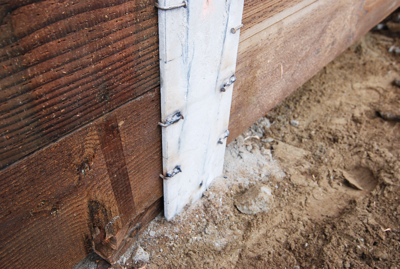BUILD-LLC-Shoring-14-welded-nails