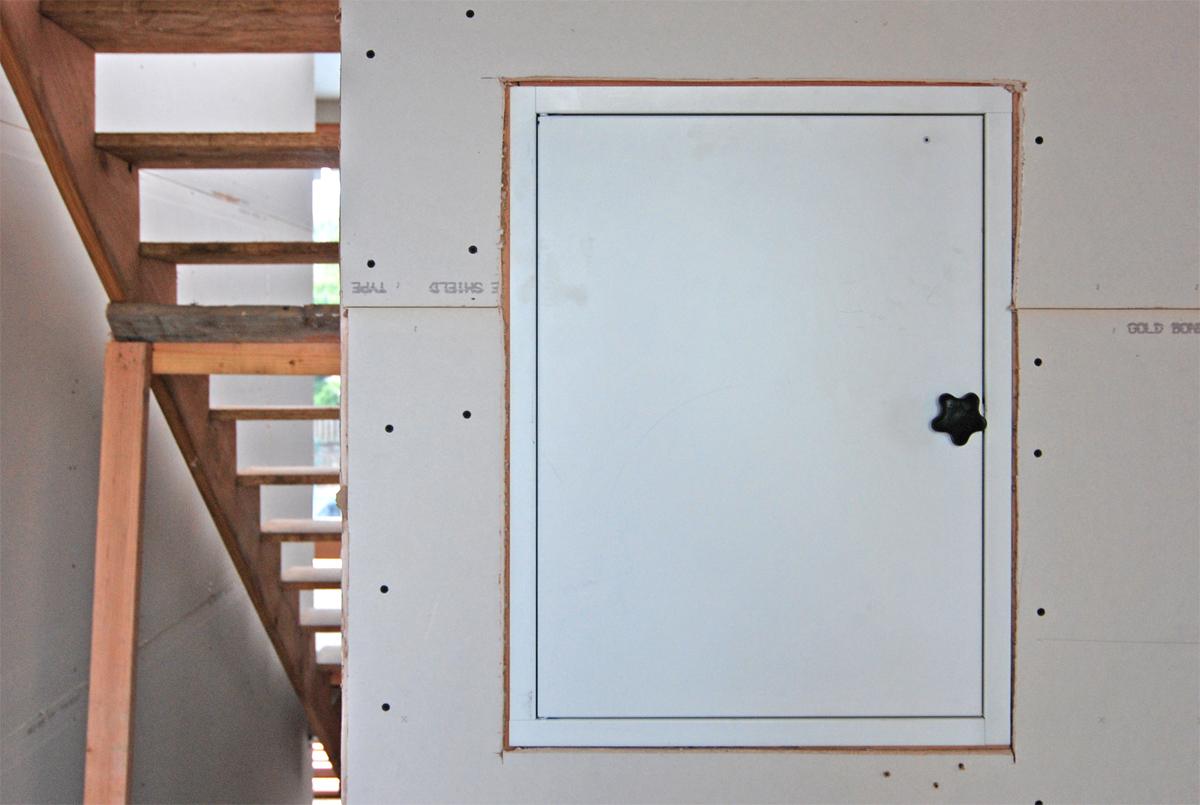 BUILD-LLC-CSH2014-Dumbwaiter