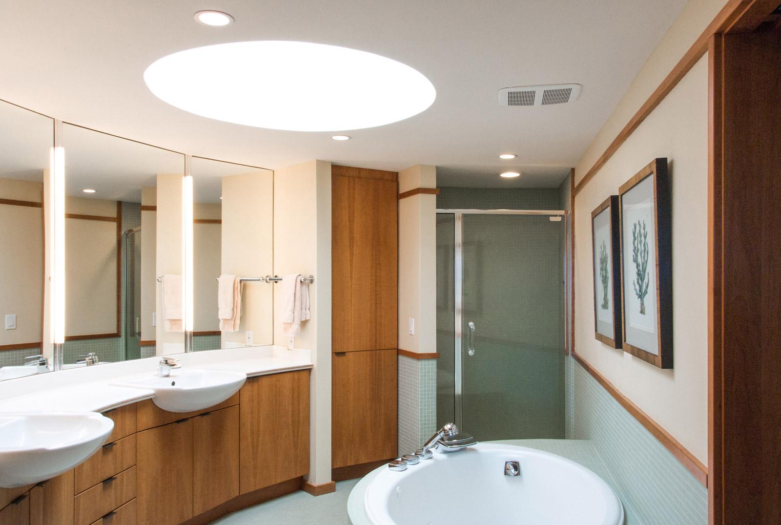 FLW-Interior-Master-Bath-01