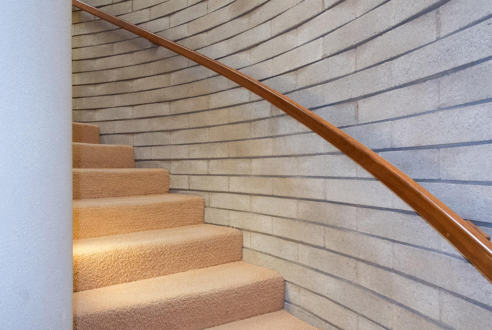FLW-Interior-Stair-02