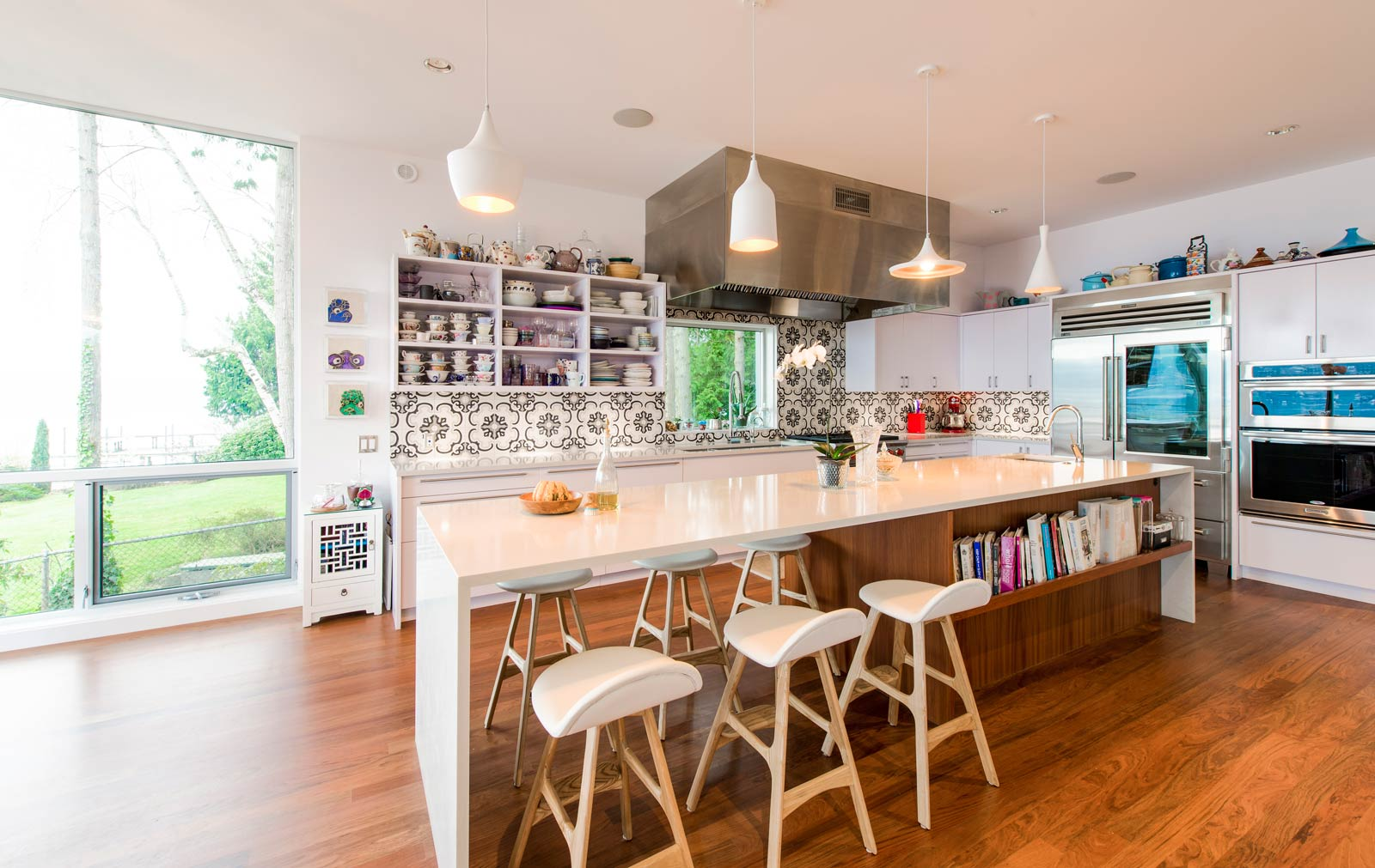 The Multiple Roles Of The Kitchen Island