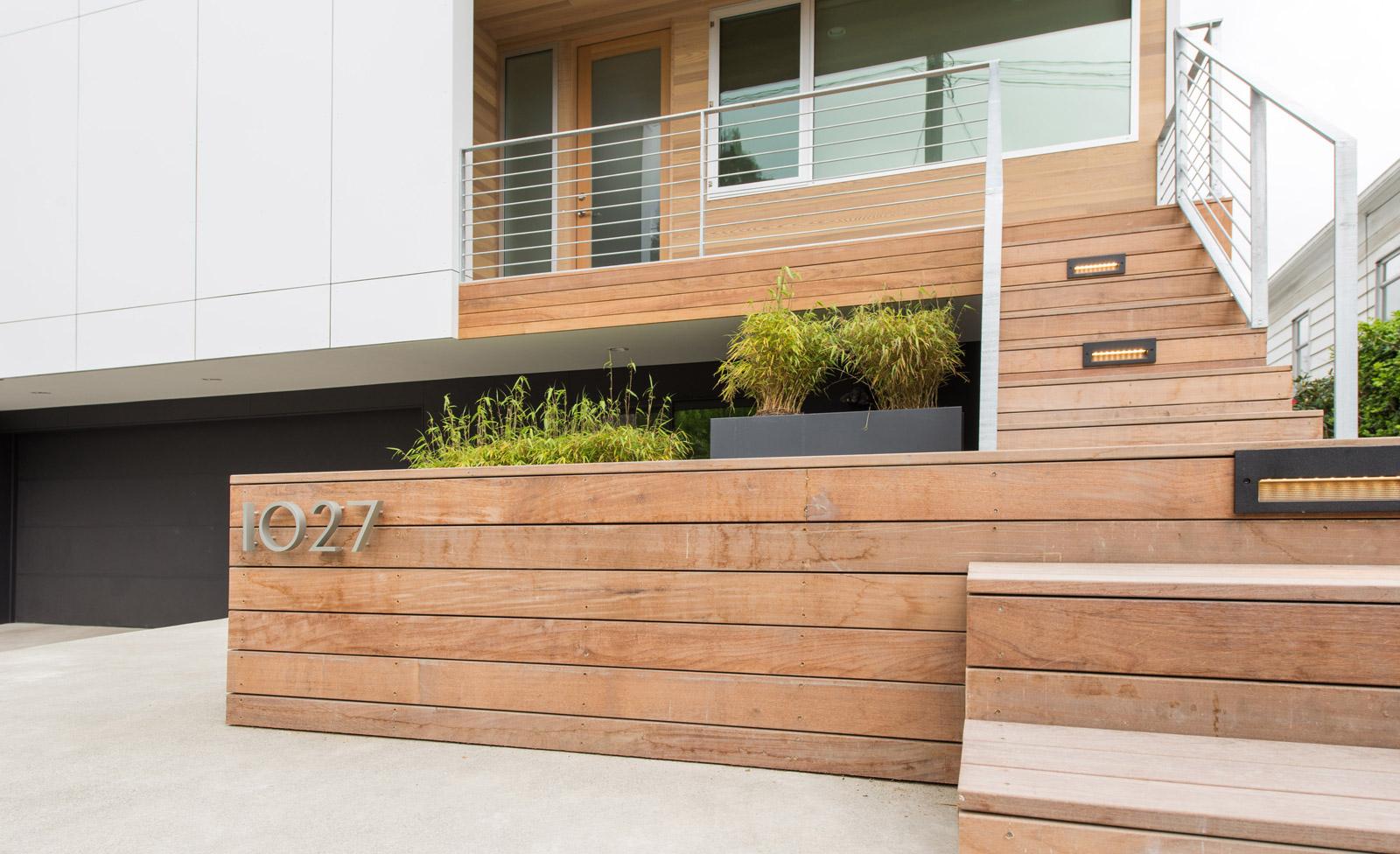 BUILD-LLC-CSH-Ext-Entry-09