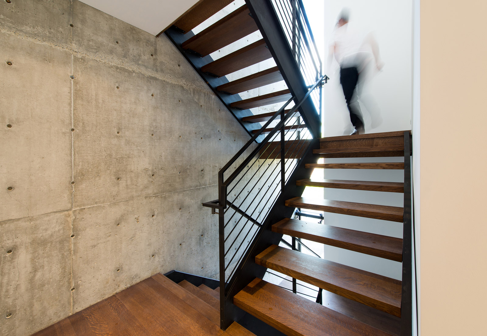 BUILD-LLC-Desai-Int-Stair-05g