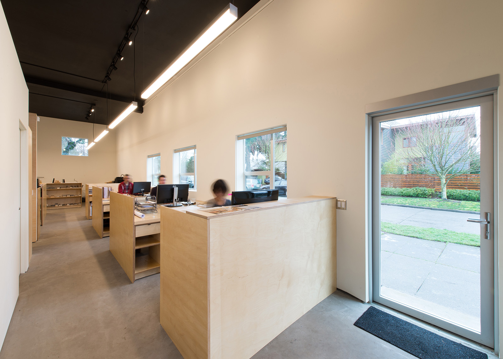 BUILD-LLC-office-int-01