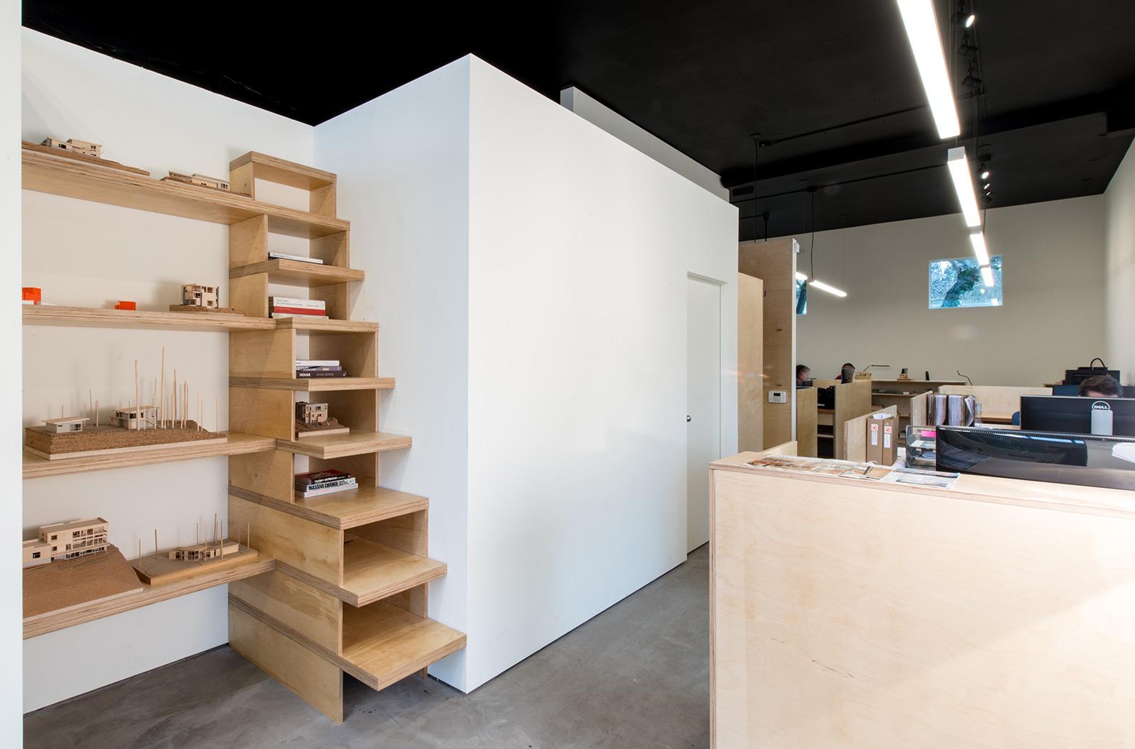 BUILD-LLC-office-int-02