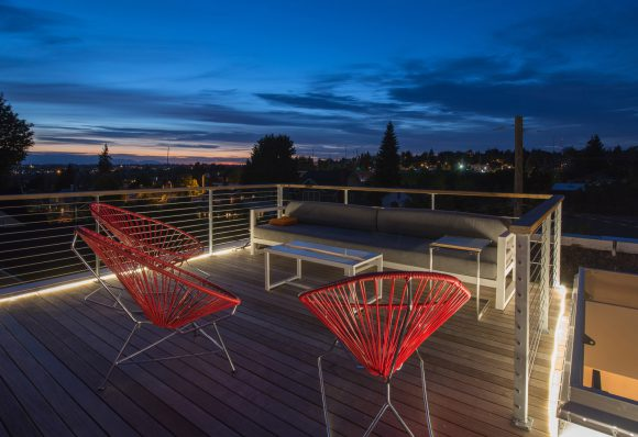 BUILD-LLC-CSH-Ext-Night-roofdeck-01