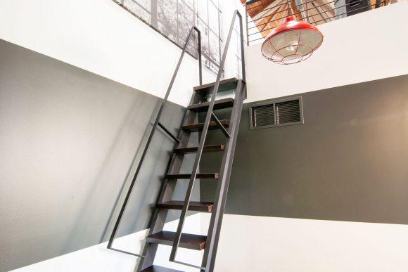 BUILD-LLC-CLSF-Mezz-Ladder-02#