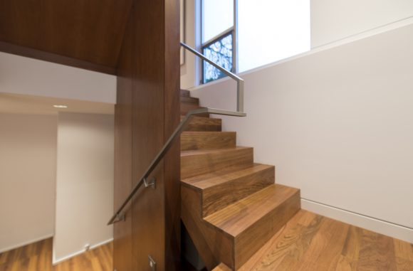 build-llc-lwr-stair-09