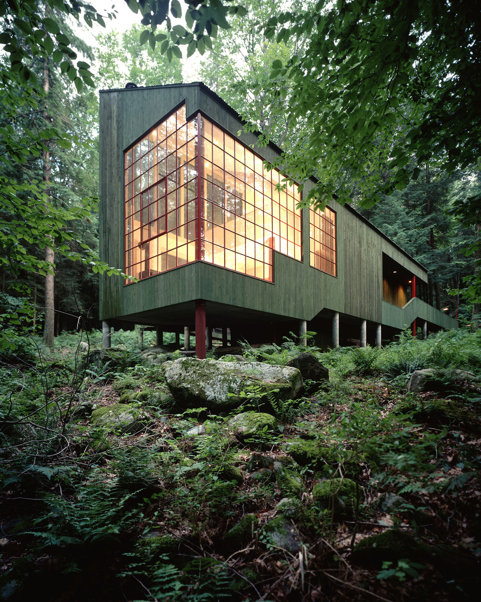 Modern Forest House: The Sensible, Modern Cabin